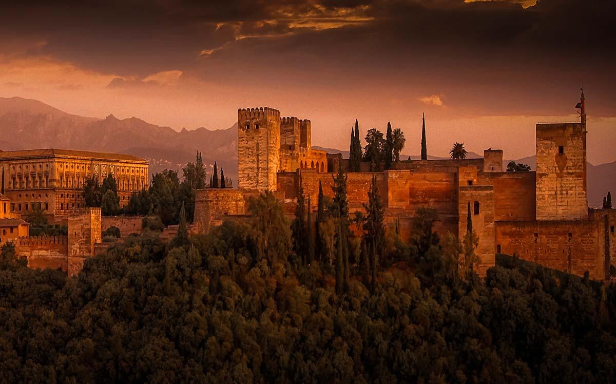 FormadHoc propone il corso di spagnolo a Como e in provincia.